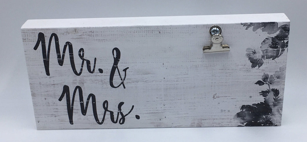 Mr. & Mrs. Wood Sign with Clip