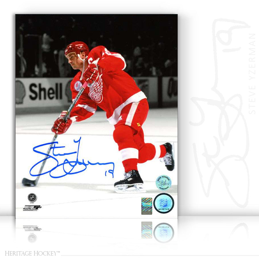 STEVE YZERMAN AUTOGRAPHED SIGNED SPOTLIGHT 8X10 PHOTO - DETROIT RED WINGS