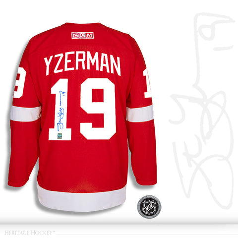 STEVE YZERMAN AUTOGRAPHED SIGNED DETROIT RED WINGS CCM RETRO JERSEY