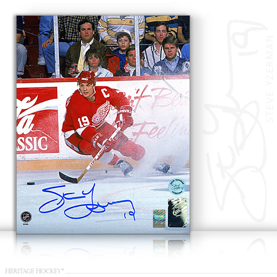 STEVE YZERMAN AUTOGRAPHED SIGNED ICE SPRAY 8X10 PHOTO - DETROIT RED WINGS