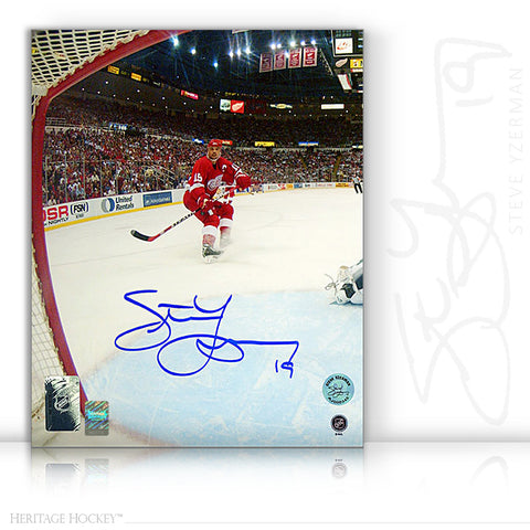 STEVE YZERMAN AUTOGRAPHED SIGNED NET CAM 8X10 PHOTO - DETROIT RED WINGS