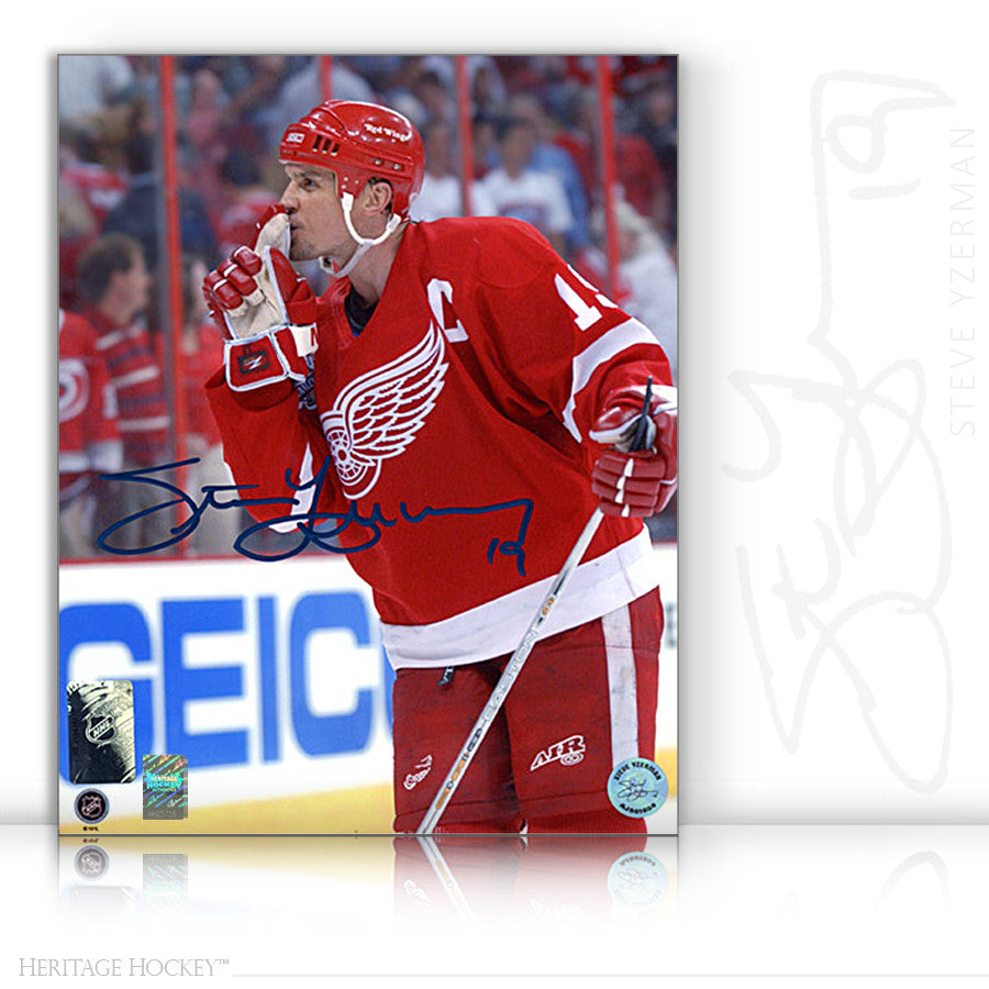 STEVE YZERMAN AUTOGRAPHED SIGNED QUIETS RIVAL CROWD 8X10 PHOTO - DETROIT RED WINGS