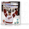 STEVE YZERMAN AUTOGRAPHED SIGNED 2002 STANLEY CUP 8X10 PHOTO - DETROIT RED WINGS
