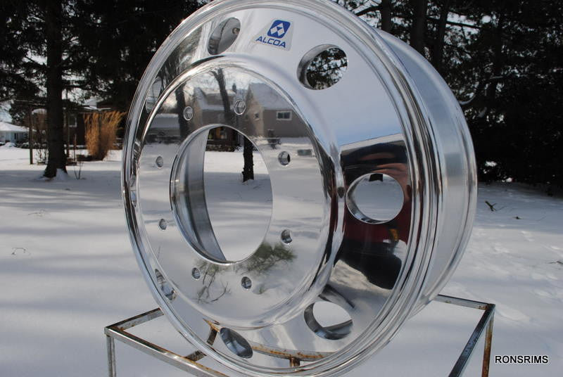 19.5 X 6 ALCOA Front - Ford F450, F550 - Polished 8 on 225mm