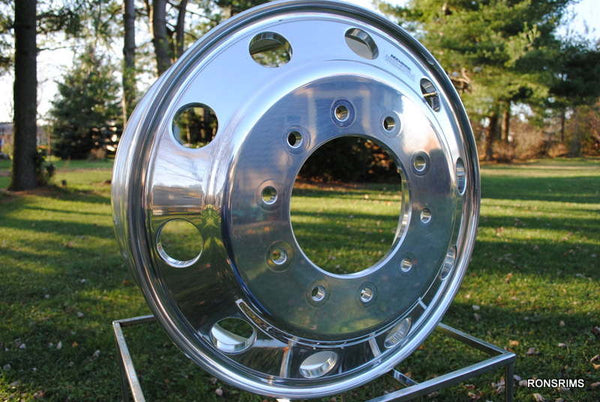19.5x7.5 ACCURIDE Medium Duty Hub Pilot Polished Truck Wheel - Front 10 on 285.75mm