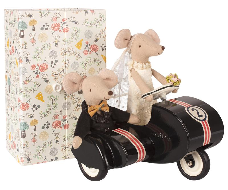 just married mice - Pink and Brown Boutique