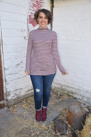 Ayla Mock Neck in Wine
