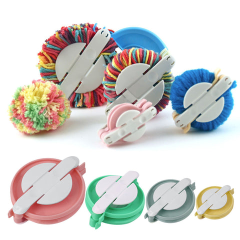 Pom Pom Maker Set 4 Sizes 4pcs