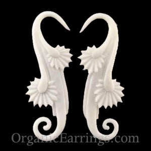 Organic Body Jewelry | Willow Blossom, white. Bone 10 g body jewelry.