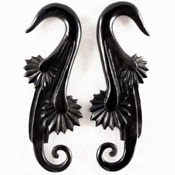 Gauges Gauges | Willow Blossom. 2 gauges, black. Organic Body Jewelry.