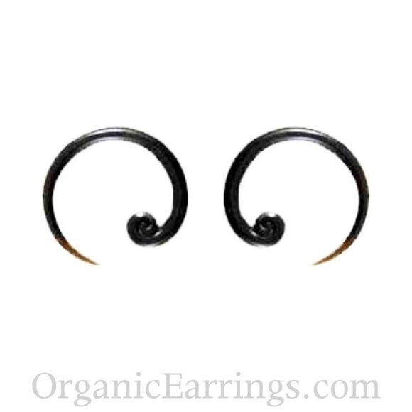 Spiral Body Jewelry | Talon Spiral.  8 Gauges, black horn. Organic Body Jewelry.