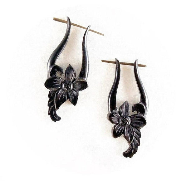 Natural Jewelry | Venus Orchid. Horn Earrings. 3/4