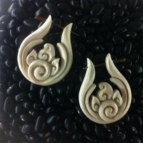 Ivory wood Spiral Earrings | Spiral Fire. Cream color. Wooden earrings. Handmade.