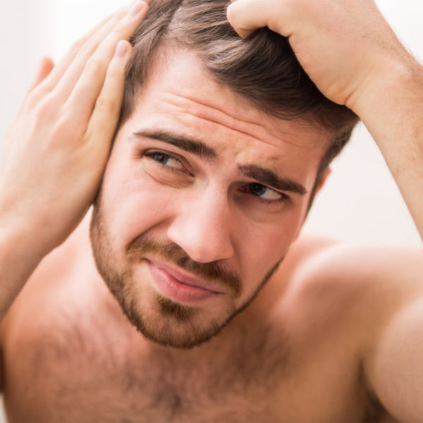When do men start losing their hair? | Find out!