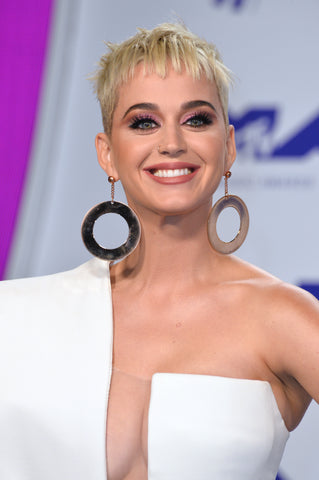 Katy Perry rocking a short hairstyle, a great blonde pixie cut