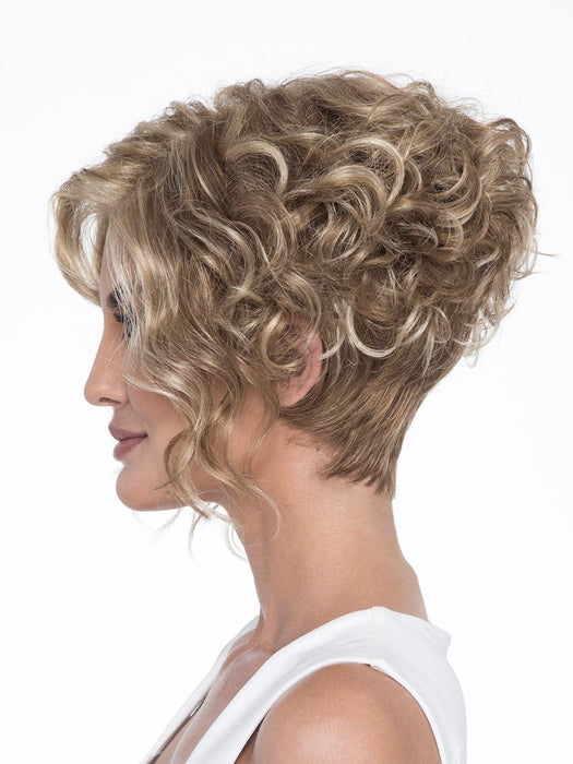 Kelsey Wig by Envy is long, lustrous curls make this wig a true show stopper