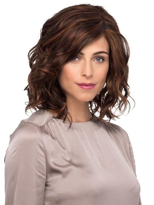 A loose, wavy, mid-length bob that looks and feels wonderfully natural