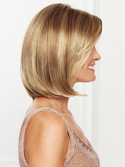 Side sweeping fringe, this timeless silhouette includes subtly textured lengths that fall into place with a gentle shake