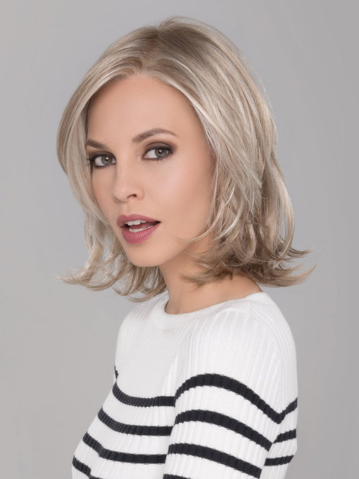 TALENT MONO by ELLEN WILLE in LIGHT CHAMPAGNE MIX | Platinum Blonde, Cool Platinum Blonde, and Light Golden Blonde blend