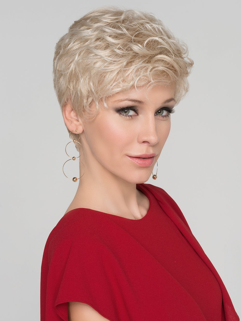 Wear this classic short wig smooth and chic or style with product to create a more modern take