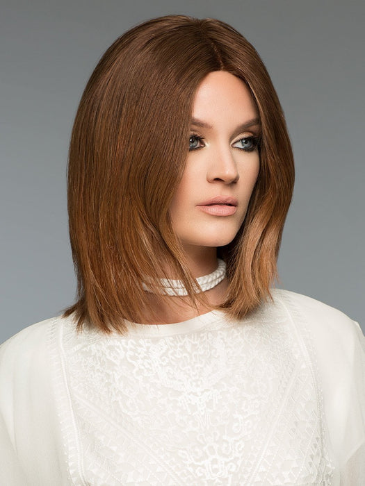 Barbara by Wig Pro is a sleek and stylish bob that goes just past the shoulders