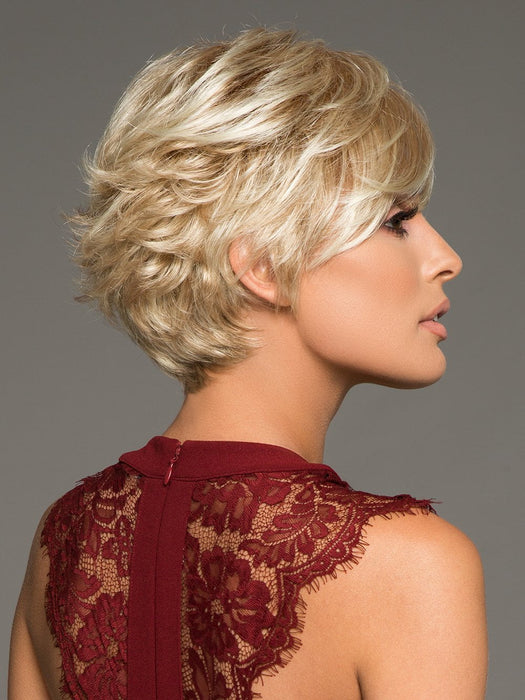 TRUE DEMURE by GABOR in GL14-22SS SS SANDY BLONDE | Dark golden blonde base blends into multi-dimensional tones of medium gold blonde and light beige blonde