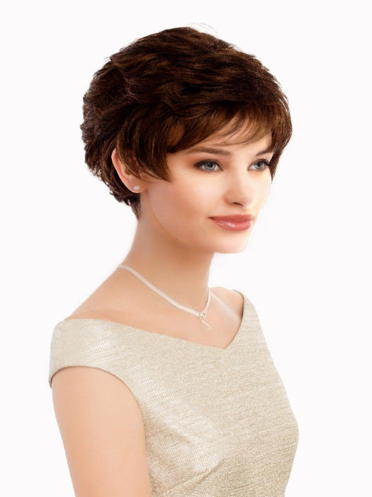 A adorable short style that has smooth layers and great volume at the crown for full height.