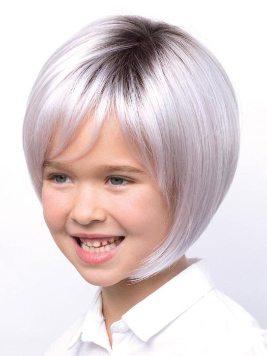 The Kensley Wig by Amore is a classic bob with side swept fringe and face-framing layers
