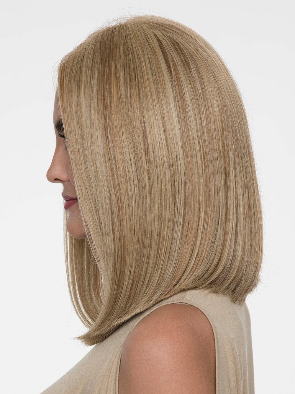 A timeless elegance that abounds with this classic, shoulder-length style