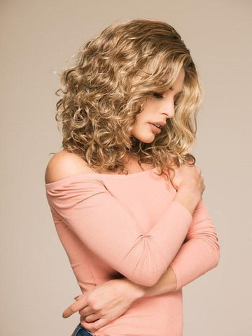 Wavy hair trend | curly wigs for women