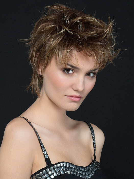 Short textured hair style with layers