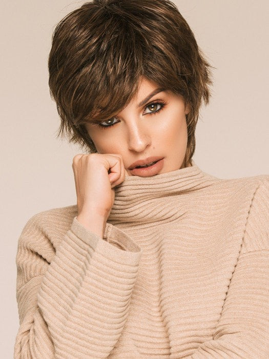 MIRANDA by Ellen Wille in MOCCA-ROOTED | Light Brown base with Light Caramel highlights on the top only, darker nape