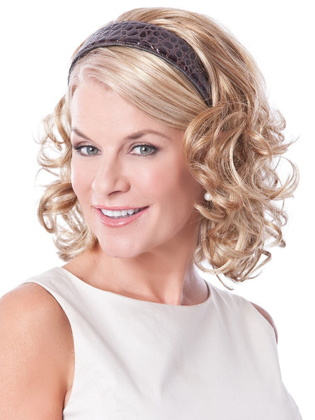 Aug 27,  · Choose a headband that is either the same color as your hair or would look good next to your hair color. This way, your headband becomes a versatile accessory that you can wear with any outfit. If you're a brunette, try wearing a headband made of small tan or brown crystals for a %(5).