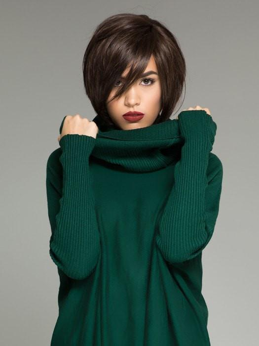 The perfect angled bob with a side bang & tapered neckline | TALIA Mono by Ellen Wille