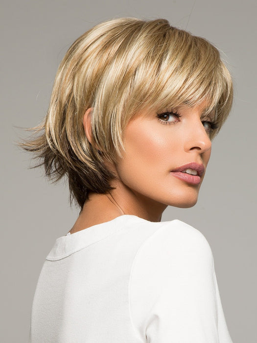 MORGAN by Noriko in CREAMY TOFFEE R | Rooted Dark Blonde Evenly Blended with Light Platinum Blonde and Light Honey Blonde