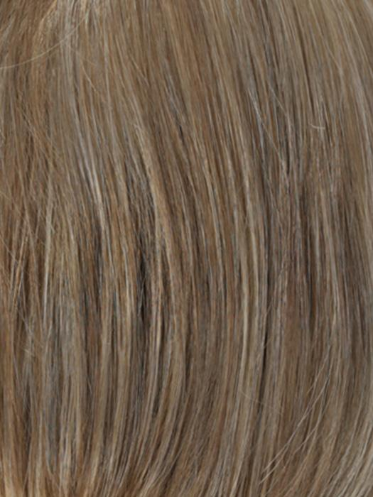 R12/26CH | Light Brown with Chunky Golden Blonde Highlights