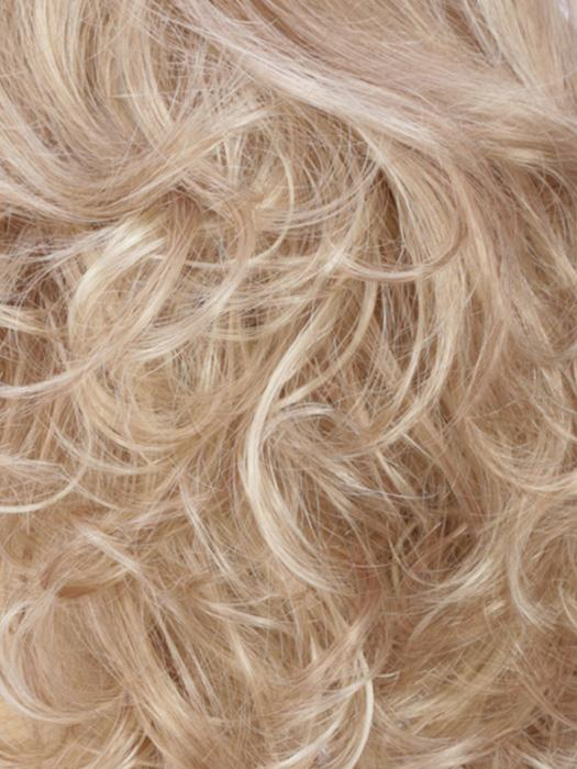 R16/88H | Honey Blonde with Light Blonde Highlights