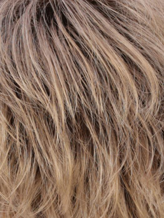 R24/18BTRT8 | Light ash brown blended and tipped with medium gold blonde highlights with medium gold brown roots.