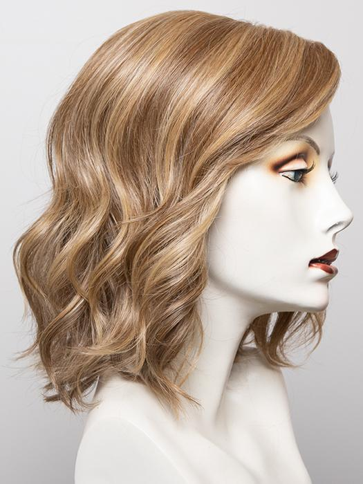 RL13/88 Golden Pecan | Neutral Medium Blonde With Pale Honey Blonde Highlights