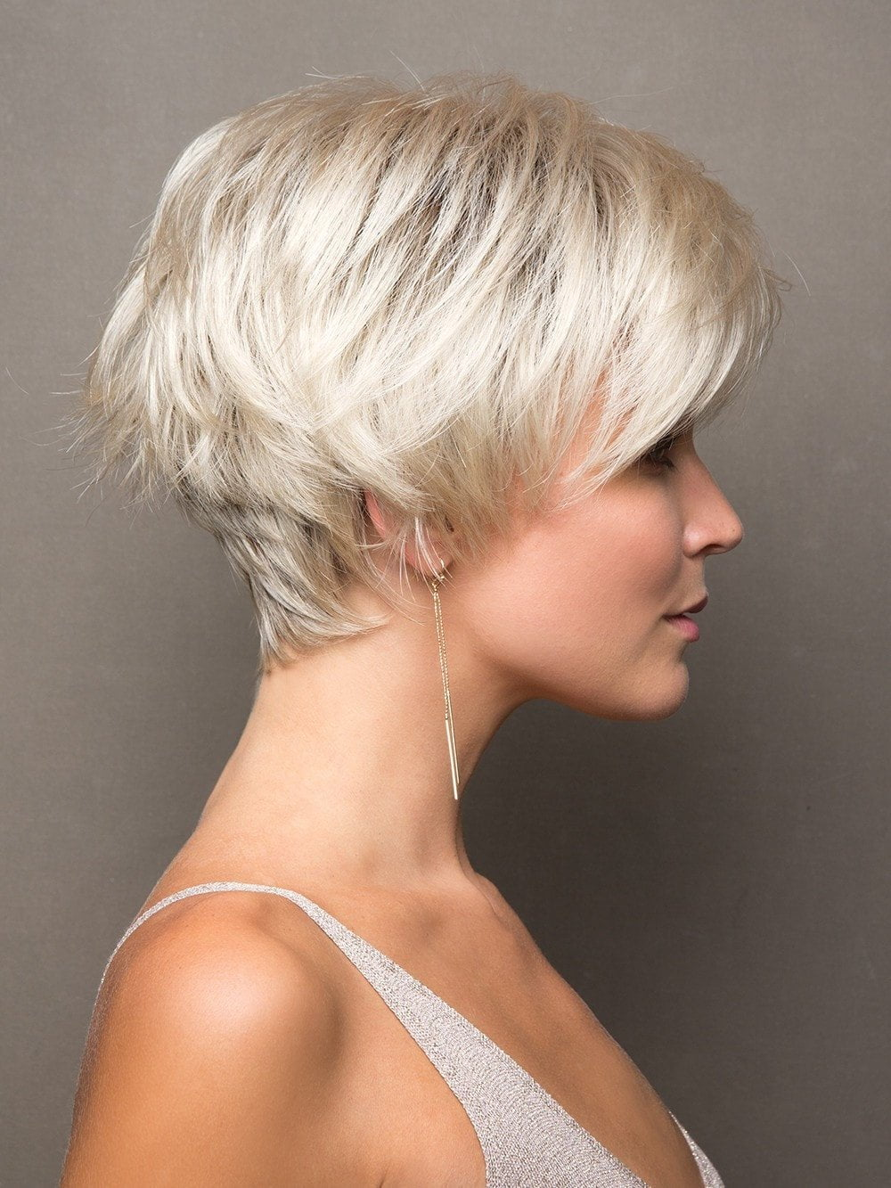 Loads of textured layers give this cut exceptional volume, movement, and style versatility
