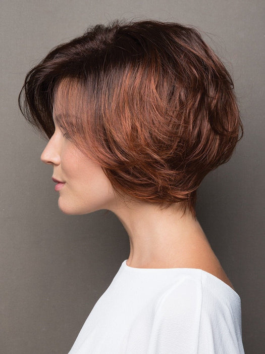 This cut is full of layers and loose waves that create volume and movement.