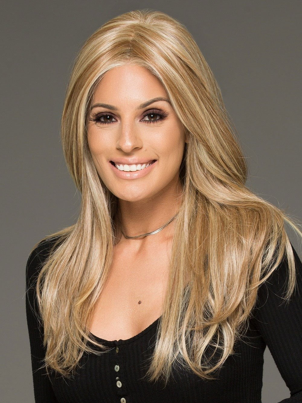 SCENE STEALER by Raquel Welch in RL14/22 PALE GOLDEN WHEAT | Dark Blonde Evenly Blended with Platinum Blonde