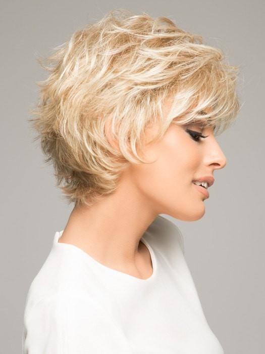 VOLTAGE PETITE by Raquel Welch in R14/88H GOLDEN WHEAT | Dark Blonde Evenly Blended with Pale Blonde Highlights