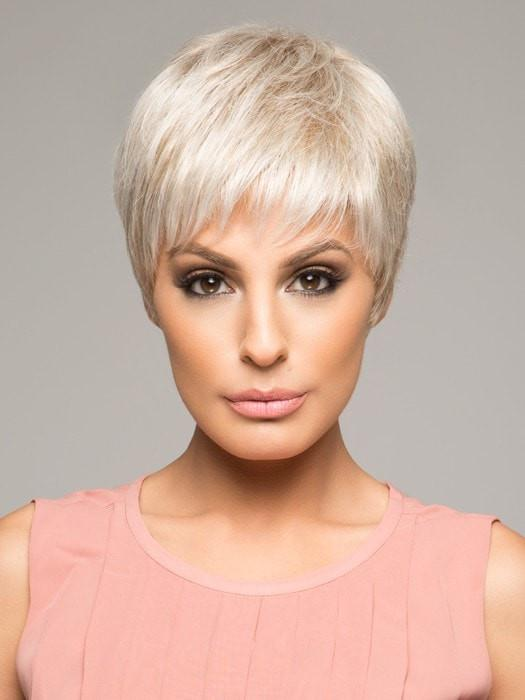 WINNER by Raquel Welch in R23S+ GLAZED VANILLA | Cool Platinum Blonde with Almost White Highlights