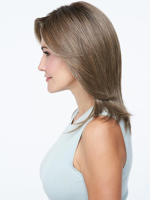 Easy does it with this shoulder length cut. Style it your way and you're on your way!