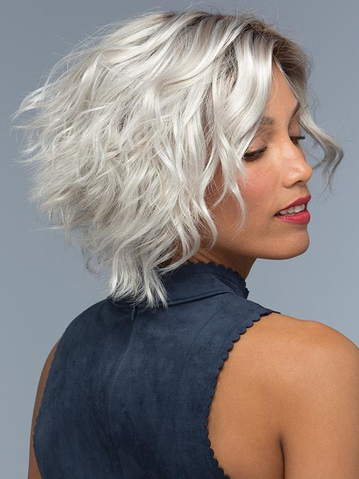 WYNTER by Estetica in SILVERSUN/RT8 | Iced Blonde with Soft Sand & Golden Brown Roots