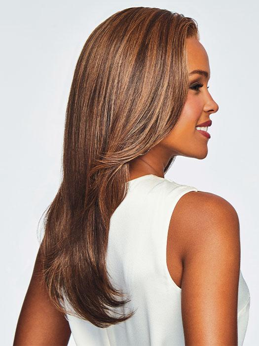 The length falls mid-back to give this style dramatic appeal