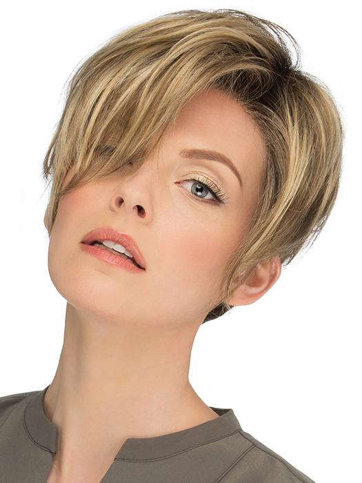 Perry's choppy layers and subtle undercut allows you to go from simple and sleek to fierce and free
