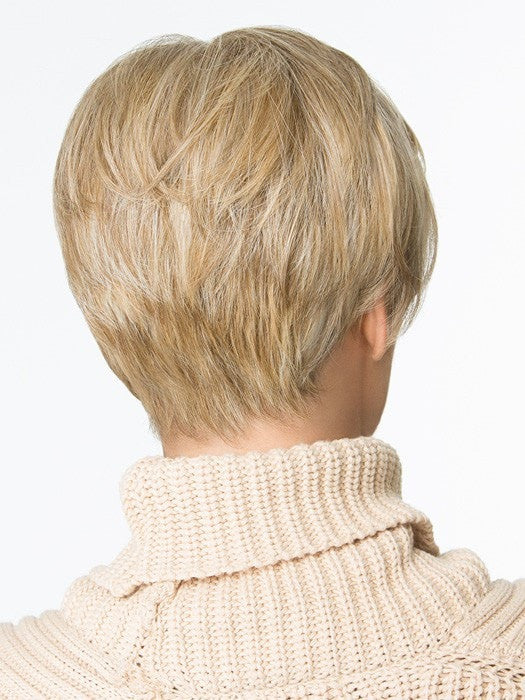 Precision layering and subtly textured ends at the nape