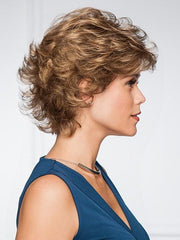 Softly curled, layered cut | Color: GL14/16